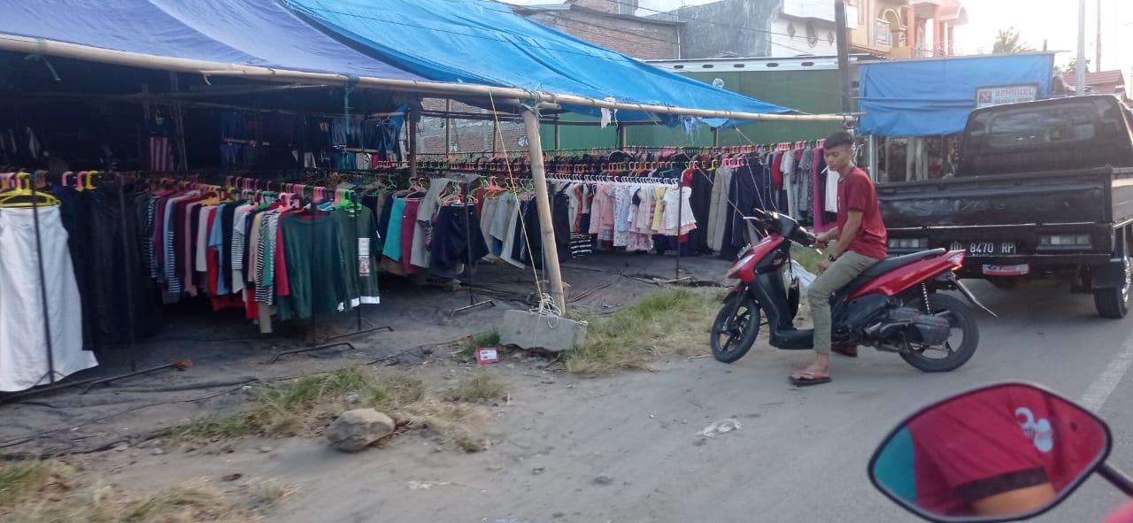 Meskipun Dilarang Pemerintah, Pakaian Bekas Impor Terus Menjamur di Daerah Ini